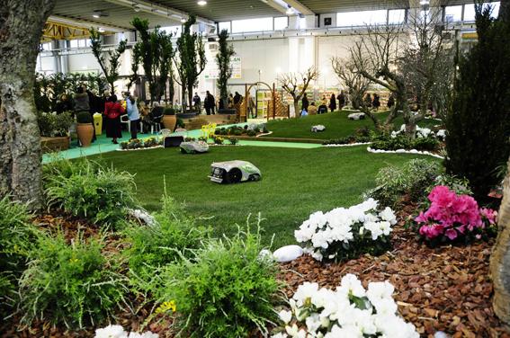Giardini piccoli foto idee per il giardino tipi di for Idee per giardini piccoli
