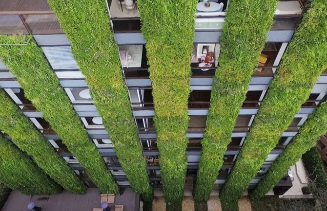 Giardini verticali bogot vince su milano floraviva for Giardini verticali milano